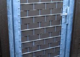 BETONZAUN KOWALEWSKI - Drehflügeltoranlage Doppelstabmatte verzinkt gefüllt mit-Sichtschutzstreifen-in-RAL-8017
