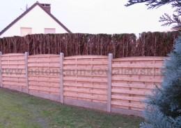 BETONZAUN KOWALEWSKI - Zaunanlage Beton-Holz-Kombi mit Unterplatte und Pfosten in Braun