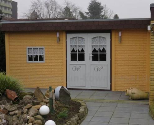BETONZAUN KOWALEWSKI - Gartenhaus aus Standard Klinkerplatten - Kundeneigenbau