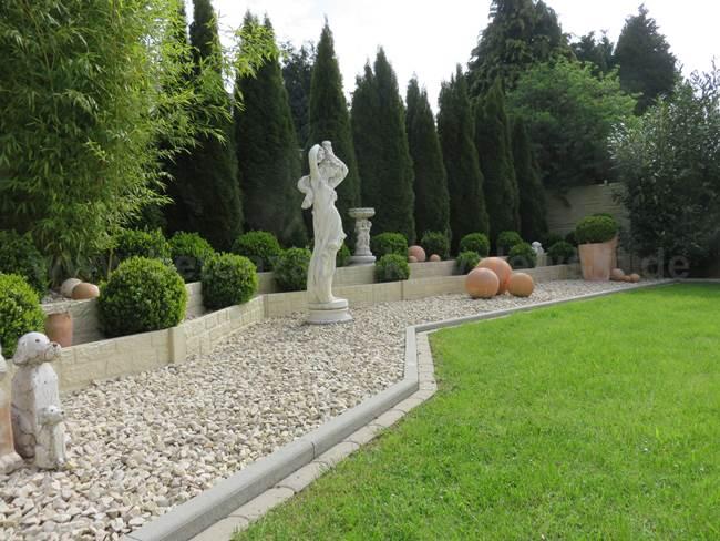 BETONZAUN KOWALEWSKI -Betonzaun Romania & Gartengestaltung