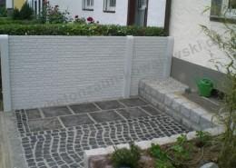 BETONZAUN KOWALEWSKI - Betonzaun Standard Klinker in RAL 7035 Lichtgrau