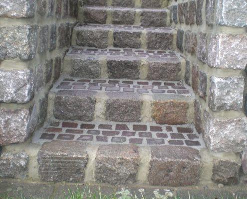 BETONZAUN KOWALEWSKI - Treppe aus Naturstein