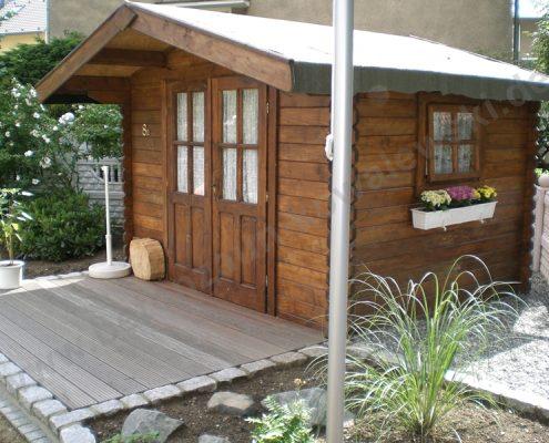 BETONZAUN KOWALEWSKI - Holzgartenhaus mit Terrasse aus Holz