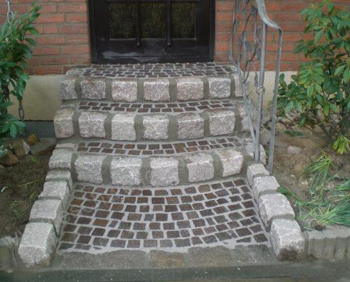 BETONZAUN KOWALEWSKI - Stufenanlage in Naturstein