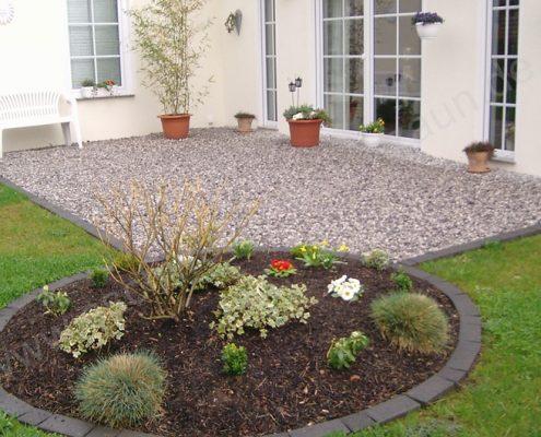 BETONZAUN KOWALEWSKI - Gartenneugestaltung mit Split