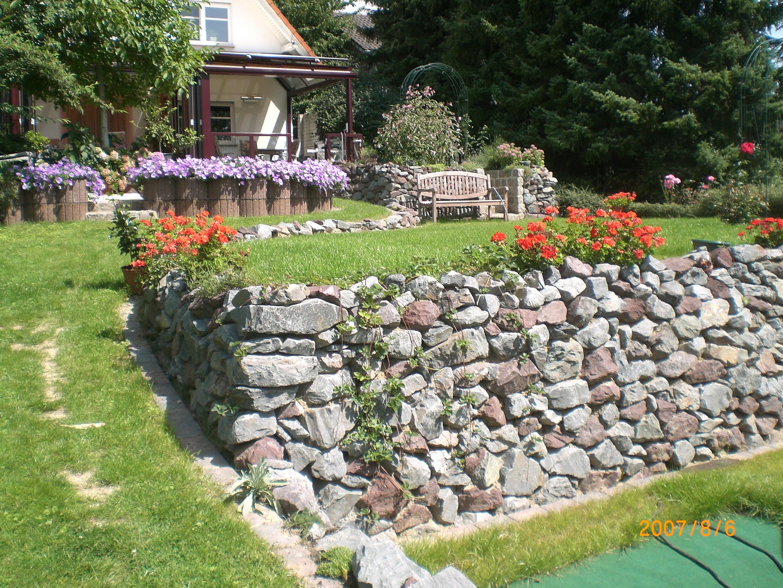 BETONZAUN KOWALEWSKI - Trockenmauer, Gartenneugestaltung