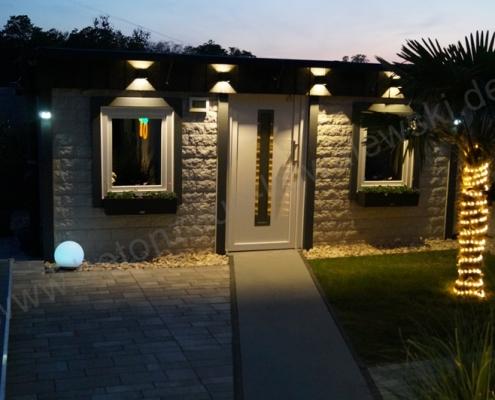 BETONZAEUNE KOWALEWSKI - Gartenhaus Kundeneingenbau aus Motivplatten Rockstone